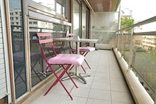 spacious apartment to rent sleeps 2 guests with terrace on rue l'Eglise Paris 15th district