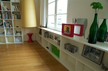 Holiday rental for 4, furnished 2-room flat w/ balcony at Etienne Marcel, Paris 1st district