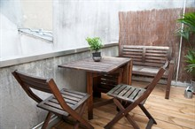 Short-term stay for friends or family in a 2-room duplex apartment w/ terrace, heart of Paris 1st
