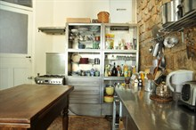 temporary rental for beautiful duplex sleeps 4 guests on rue Ramey paris XVIII