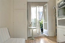 beautiful studio with terrace to rent weekly for 1 guest in paris 17th wagram