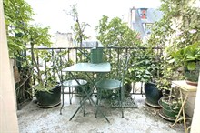 charming studio with terrace to rent for one guest on rue de Tocqueville paris 17th