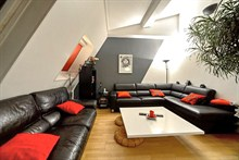 elegant 2 bedroom apartment to rent for 4 guests in Village D'Auteuil 16th district Paris
