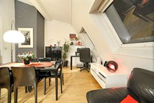 spacious 2 bedroom apartment for 4 guests to rent monthly Auteuil Village 16th district Paris