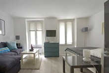 spacious weekend rental studio for 4 rue Saint Jacques Paris 5th