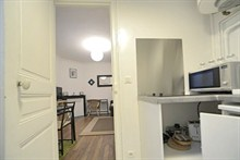 modern weekend rental for 2 guests 215 sq ft avenue de Clichy Paris