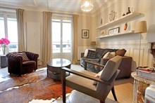 spacious apartment to rent short term for 4 guests 700 sq ft near Porte de Versailles Paris XIV