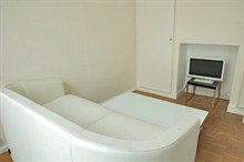Furnished apartment to rent for the week sleeps 3 on rue Poncelet Paris XVII
