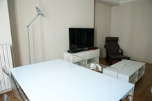 Spacious 2-room monthly rental for 4, rue Broca, Paris 5th