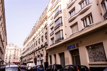 furnished and renovated apartment to rent short term for 3 on rue Paul Bert Paris 11th