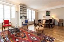 Swiss Village flat with 2-rooms and an 8-person dining table perfect for entertaining, Paris 15th