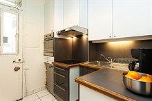 Weekly or Monthly authentic Parisian stay in a 2-room, 4-person flat on rue Alasseur, Paris 15th