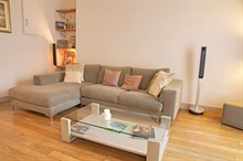 Weekly furnished rental in large 3-room apartment for 4, Rue Rocroy, Paris 10th