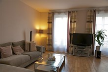 Monthly apartment rental with 3-rooms, sleeps 4, Rue Rocroy, Paris 10th