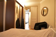 Romantic vacation in apartment with 3 rooms and fully equipped kitchen on Rue Rocroy, Paris 10th