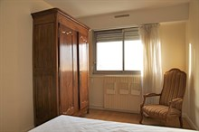 3 or 4 person accommodation in a 2-room w/ internet, rue Lecourbe Paris 15th