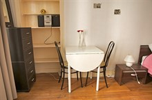 Live like a local in this studio apartment for 2 at Daumesnil, Paris 12th, available by the week or month