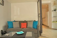 2-person studio apartment, fully furnished and equipped, in the Golden Triangle quarter, Paris 8th