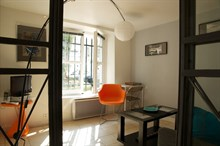 Spacious, furnished studio apartment for 2, fully furnished, in the Triangle d'Or, Paris 8th