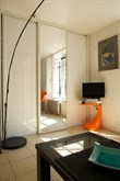Modern studio apartment for 2 w/ wifi in the Triangle d'Or, Paris 8th