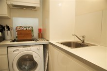 Well-equipped and furnished studio apartment for 2 with washing machine in the Triangle d'Or, Paris 8th