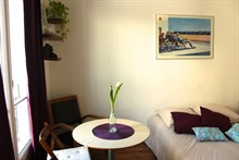 Turn-key vacation rental for 2 in a furnished studio apartment, rue des Patriarches, Paris 5th