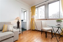 Short-term rental of a furnished, 2-room apartment at rue des Bauches, Paris 16th