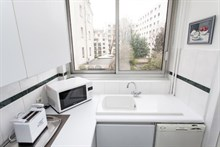 Weekly apartment rental on rue des Bauches, Paris 16th, well-equipped, 2 rooms, washing machine