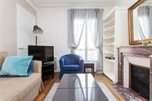 Weekly rental in generously-sized 570 ft2 apartment for 6 at Avenue de Versailles, Paris 16th
