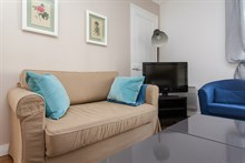 Weekly, furnished flat rental, 3-rooms for 6-person holiday at Avenue de Versailles, Paris 16th