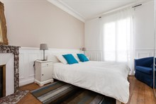 Spacious 3-room flat for 6 available for weekly rental at Avenue de Versailles, Paris 16th