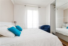 Short-term rental in large, furnished 3-room apartment at Avenue de Versailles, Paris 16th
