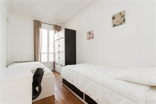 Weekly rental of furnished 3-room flat for 6 at Avenue de Versailles, Paris 16th