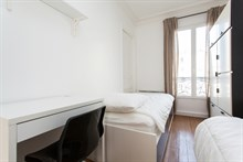 Weekly rental of spacious, furnished 3-room flat at Avenue de Versailles, Paris 16th
