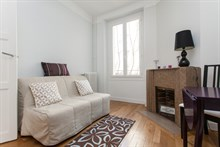 Weekly rental of a furnished 4-person apartment in the Batignolles, Paris 17th