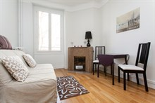 Monthly rental of a furnished 4-person apartment in the Batignolles, Paris 17th