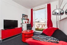Well-designed, furnished 2-room apartment w/ balcony at Saint Mandé w/ easy access to Paris