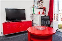 Weekly apartment rental w/ 2 rooms and large balcony at Saint Mandé, access to Paris on line 1
