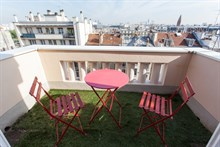 Modern, spacious flat for 3 w/ 2 rooms in Saint Mandé, minutes for Paris' Gare de Lyon