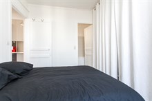 Weekly or monthly holiday rental near Paris in Saint Mandé, Modern 2-room furnished apartment w/ balcony