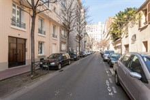 Fully equipped and furnished 2-room flat w/ balcony in Saint Mandé, minutes from Paris