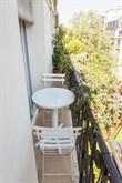 Furnished apartment with balcony available for weekly rental on rue de la Convention, Paris15th