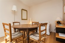 Weekly apartment rental, furnished with two rooms and a long balcony, rue de Courcelles, Paris 17th