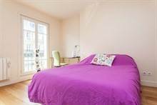 Short-term apartment rental, furnished with 2 rooms on rue de Courcelles, Paris 17th