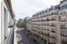 Furnished 2-room flat w/ balcony for rent by the week on rue de Courcelles, Paris 17th