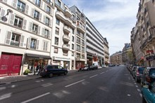 Fully-equipped and furnished 2-room apartment for 4 with balcony, rue de Courcelles, Paris 17th