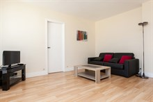 Weekly rental of spacious, furnished 2-room apartment near Montparnasse Tower, Paris 14th