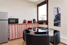 Large, furnished apartment for 4 available for weekly rental at Montparnasse Tower, Paris 14th