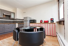 2-room furnished apartment for 4, monthly rental in a modern building near Montparnasse Tower, Paris 14th