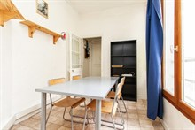 Weekly rental in a spacious 30 m2 furnished studio for 4 at Maire à Arts et Métiers, rue au Marie, Paris 3rd